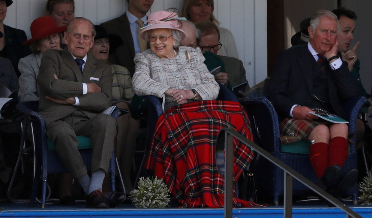 Королева Елизавета II с мужем / REUTERS