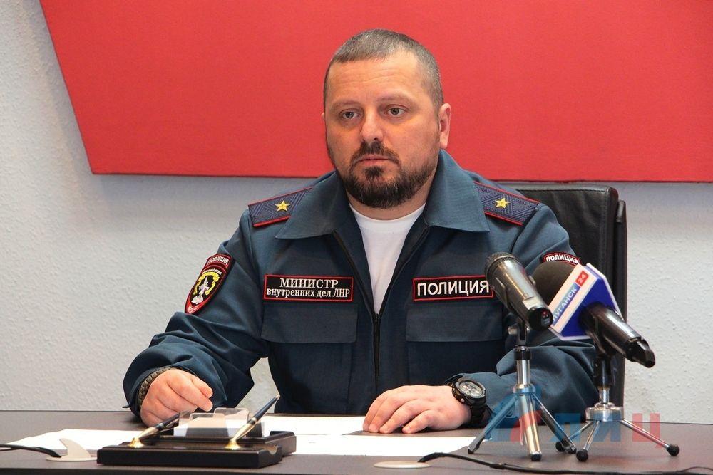 Руководитель МВД ЛНР опроверг заявления о собственной отставке: ситуация контролируется