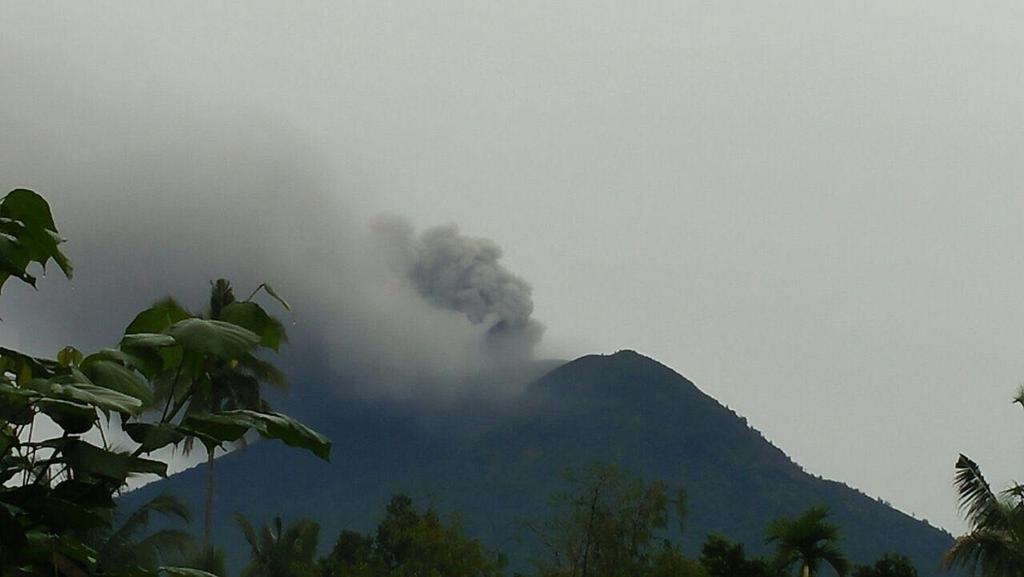 На Балі почалося фреатическое виверження вулкана Агунг / twitter.com @BNPB_Indonesia