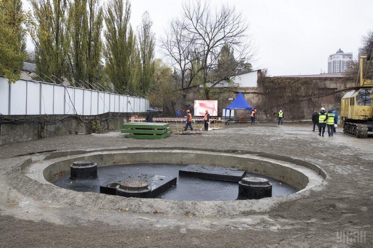 Новопостроенная вторая нитка главного канализационного коллектора в Киеве / фото УНИАН
