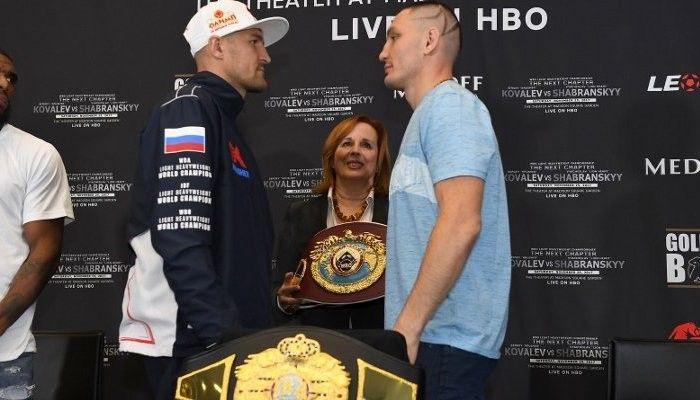Шабранский оказался тяжелее Ковалева на взвешивании переде титульным боем / boxingscene.com