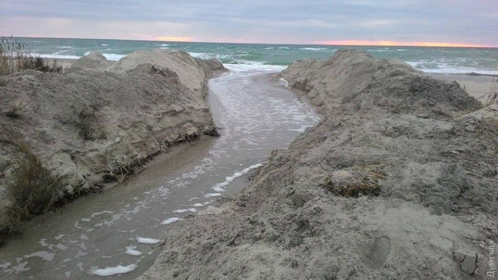 В Одеській області лиман з'єднали з морем / фото Іван Русев, Facebook