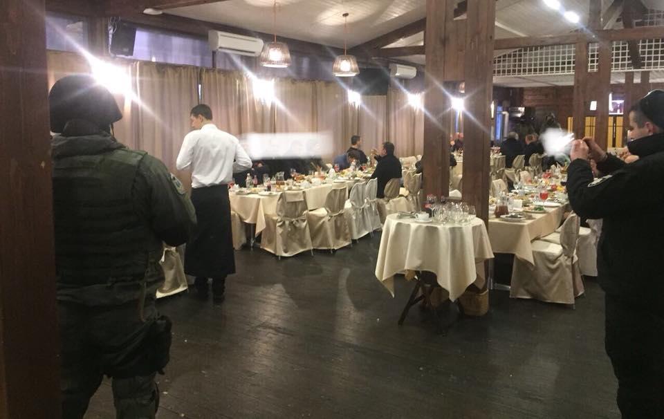 Всех задержанных в ресторане в Пуще-Водице на