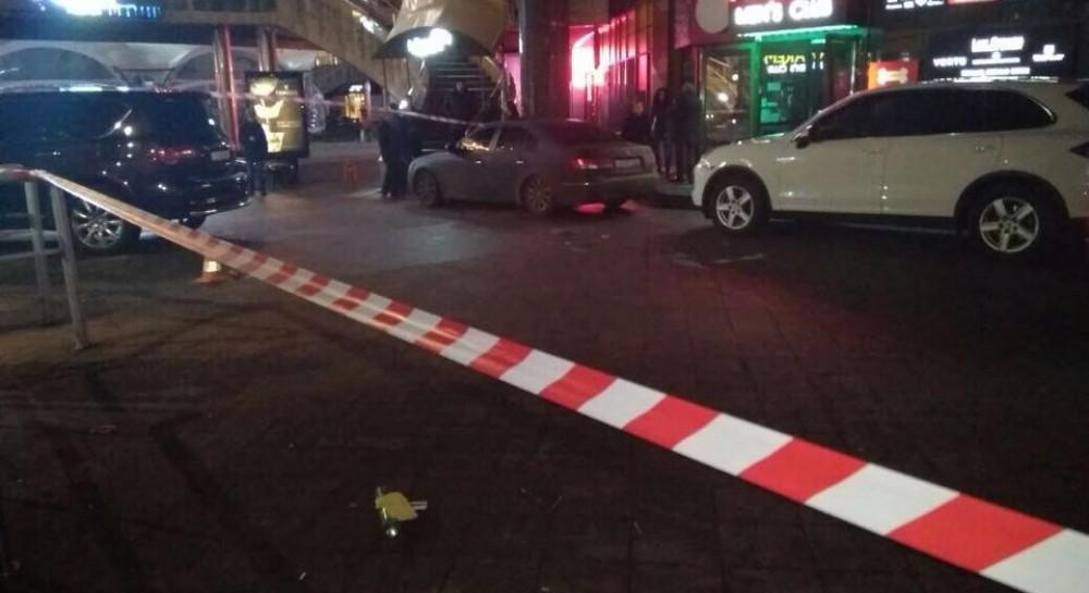 Вибух у центрі Києва  невідомі атакували стриптиз-клуб (фото) bad7c41fbf3e4