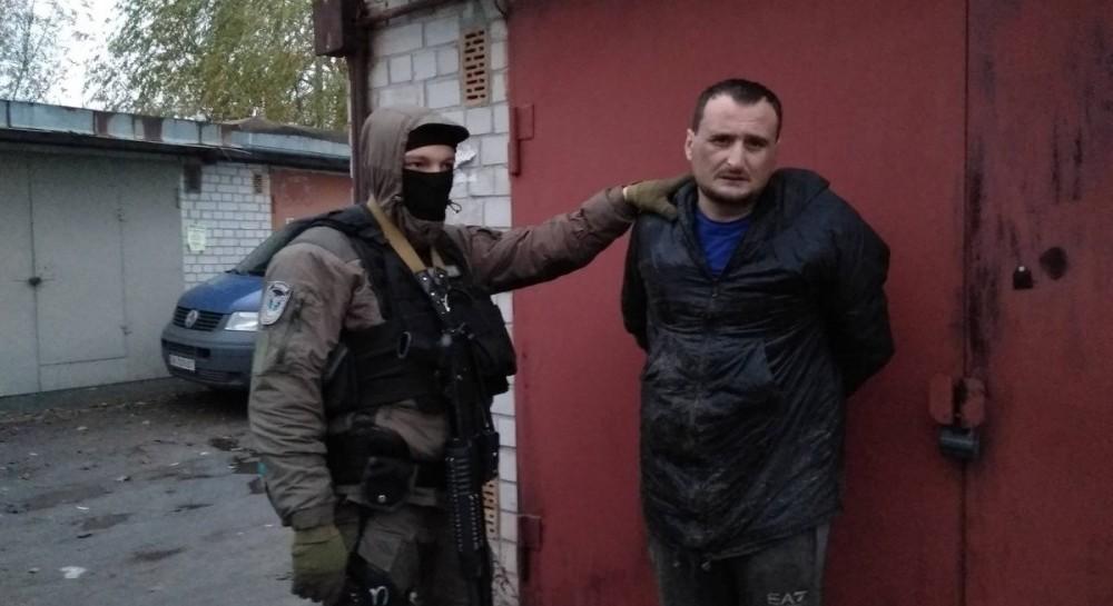 У Києві затримали озброєну групу