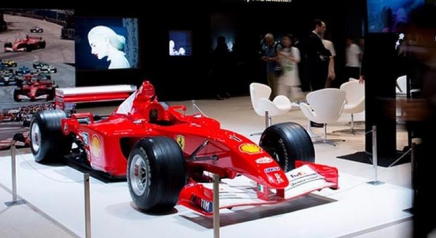 Гоночна Ferrari екс-пілота Формули-1 Шумахера продана за рекордну суму