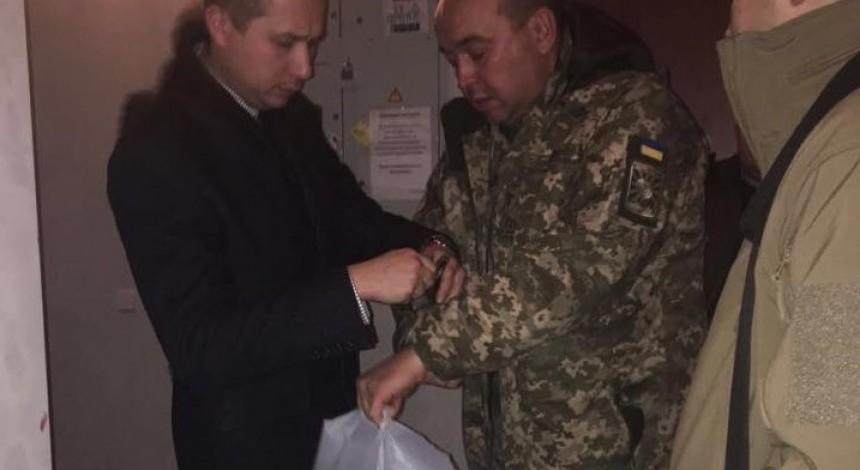 В Харькове задержали генерал-майора ВСУ по подозрению в растрате 2,4 миллиона (фото)