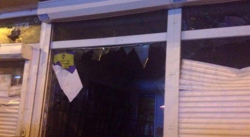 Заяви про побиття та схожі на сокири предмети: з'явилися подробиці нічного погрому на Нивках у Києві (фоторепортаж, відео)
