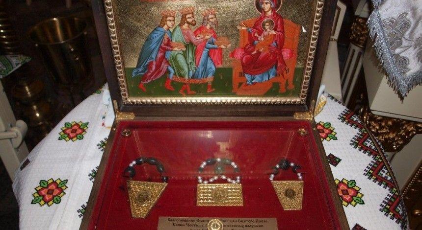 У Кропивницький прибула копія ковчега з Дарами волхвів, освячена на Афоні