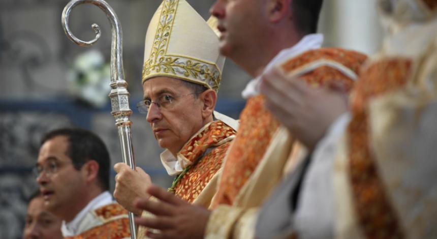 """Во Франции католики заменили слова в молитве """"Отче наш"""""""