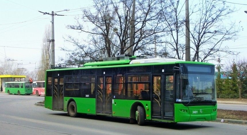 В харківському тролейбусі сталася штовханина між пасажирами (відео)