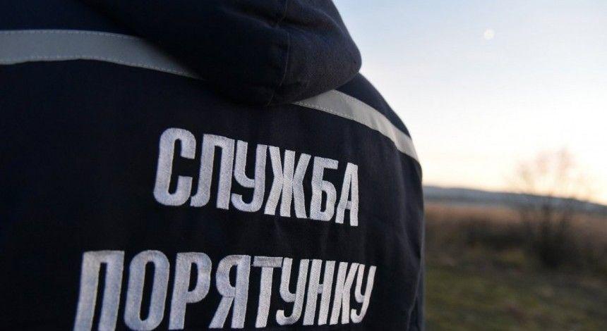 У Львівській області горить стихійне сміттєзвалище