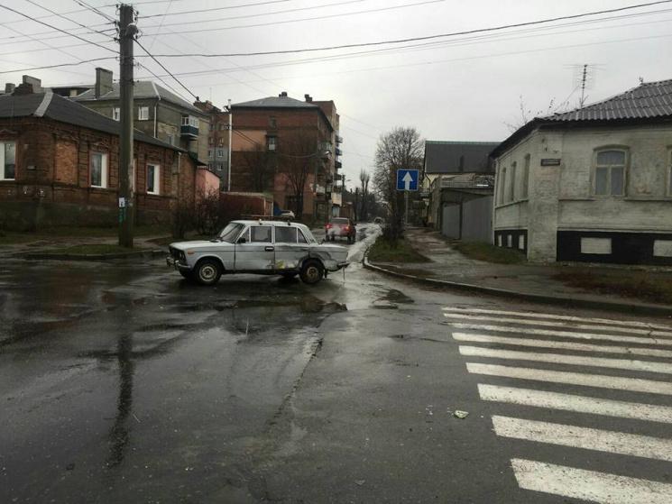 В Харкові водій спровокував ДТП / фото прес-служба патрульної поліції Харкова