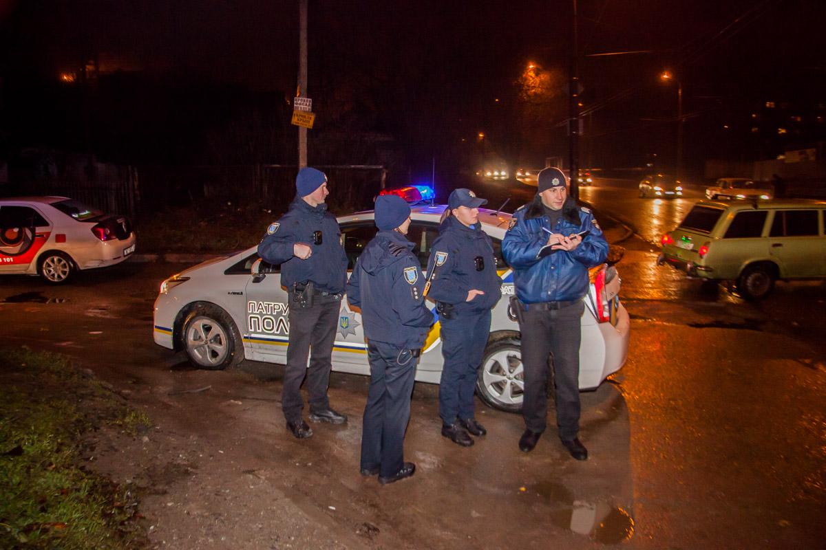 Смотреть порно секс с офицером полиции на дороге
