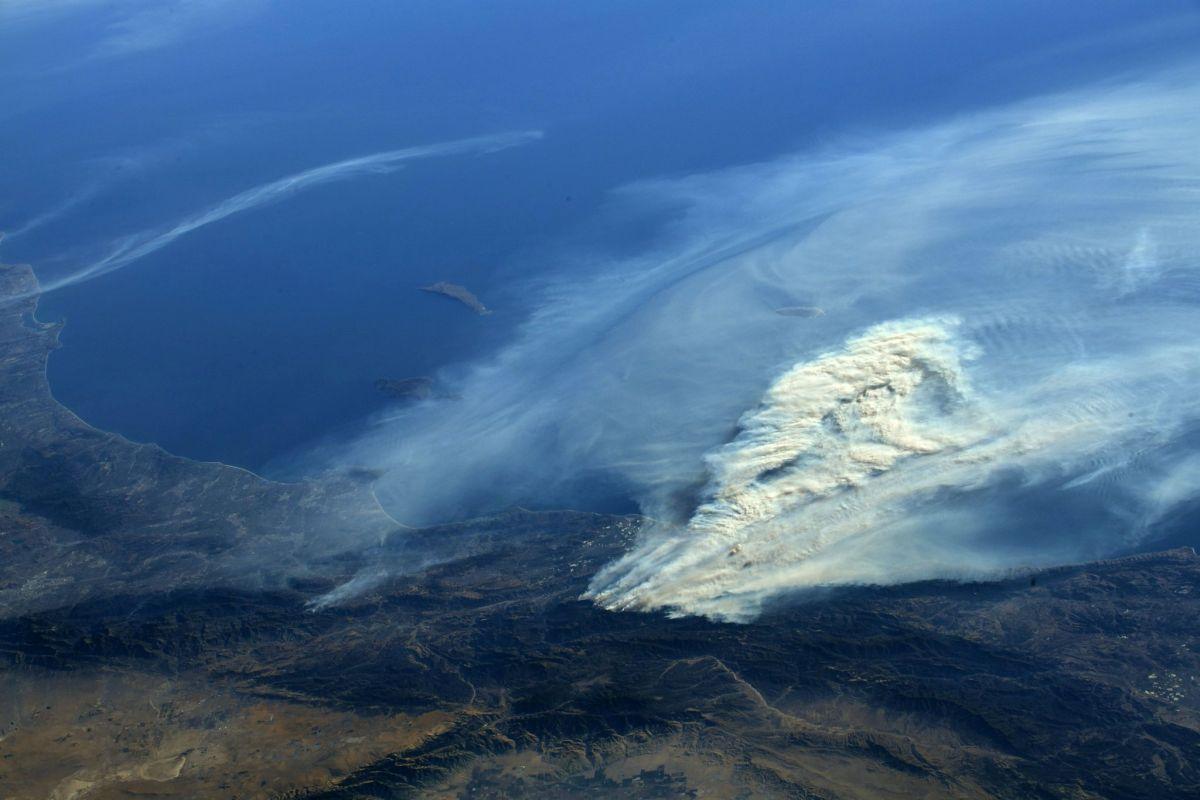 Фото лесных пожаров с МКС / REUTERS