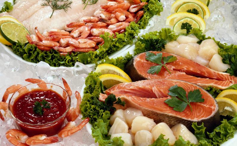 В Киеве в год на человека приходится более 13 килограмм рыбы и морепродуктов / iwallfinder