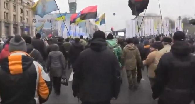 Марш на підтримку Саакашвілі: число активістів зросла до7 тисяч