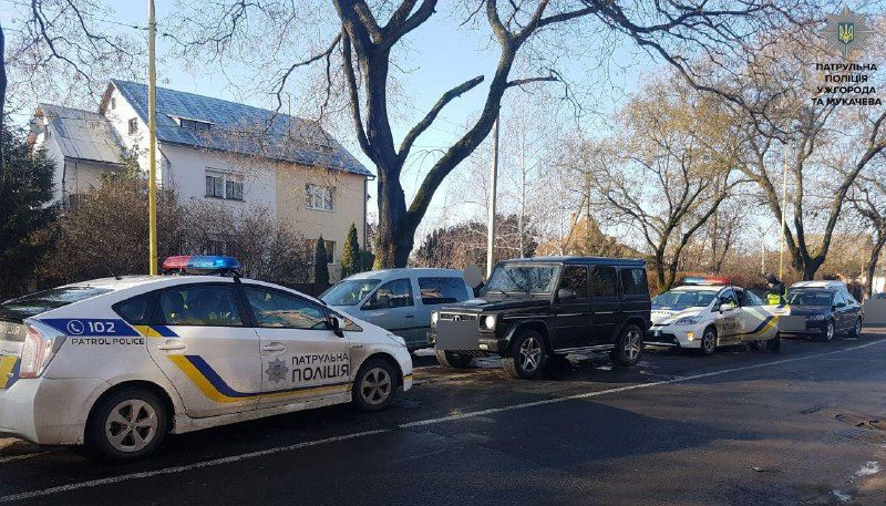 ВУжгороде среди бела дня четверо мужчин похитили человека