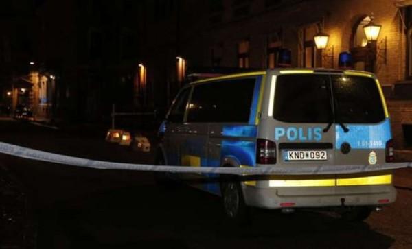 В Швеции синагогу забросали