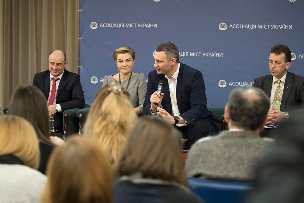 Кличко отметил, что ему удалось отстоять интересы общин при принятии Госбюджета на 2018 год / фото kiev.klichko.org