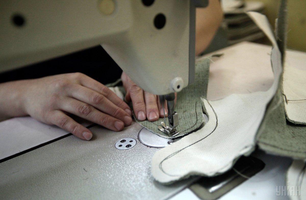 В 1830 году швейную машинку создал французский изобретатель / фото УНИАН