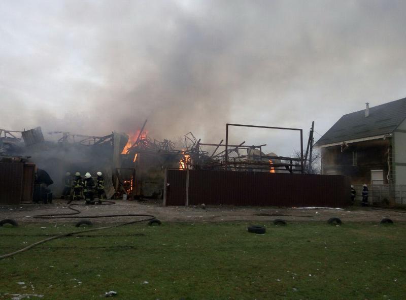 В здании вероятно произошел взрыв \ ГСЧС