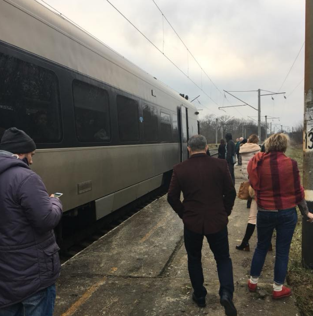 По его словам, поезд сломался через 13 минут после отправления / facebook.com/strakhovka.net