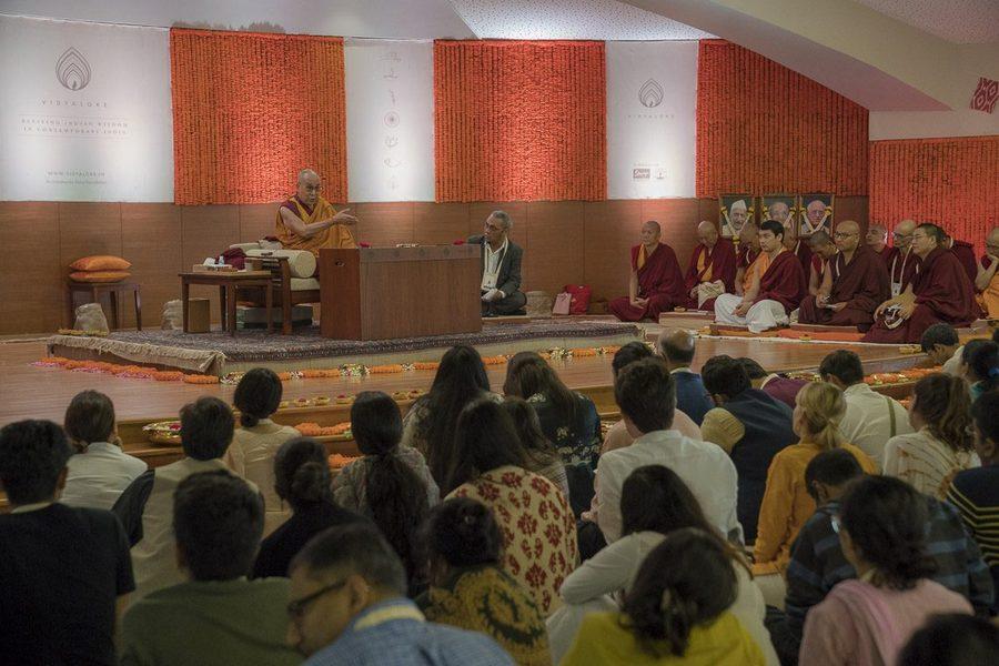В Мумбаи Далай-лама прочел лекцию / savetibet.ru