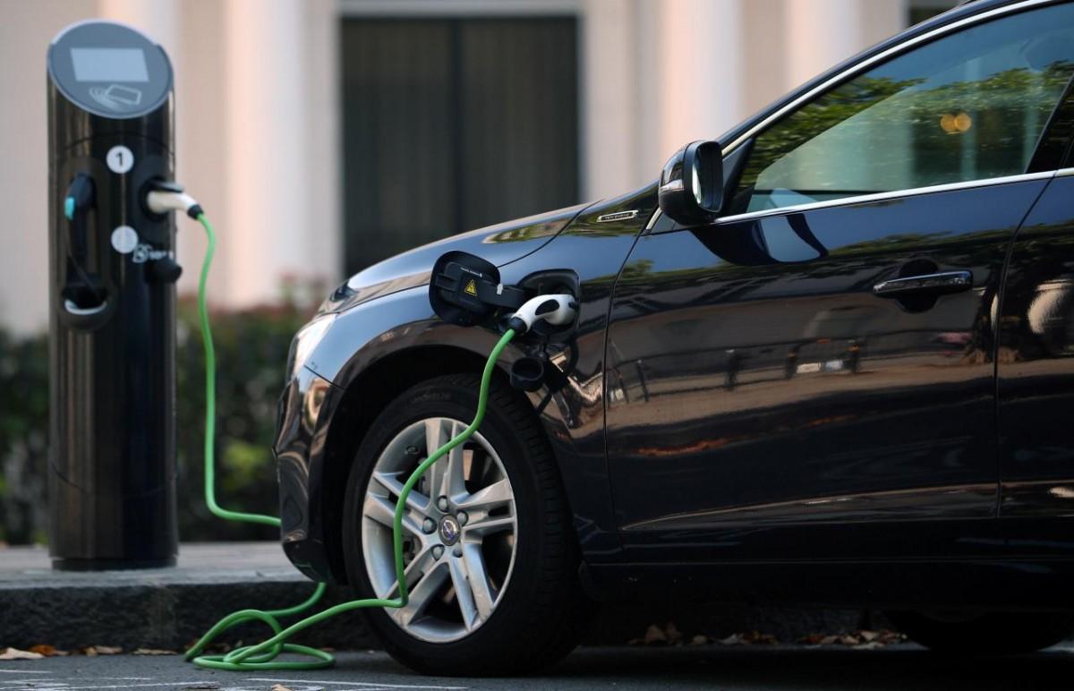 У Європі продали електрокарів більше, ніж дизельних авто / REUTERS