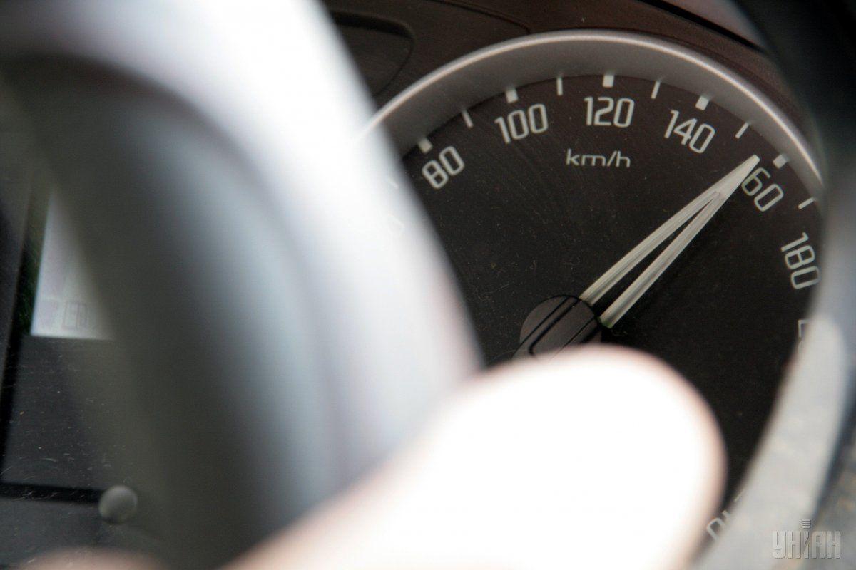 В МВД предлагают увеличить штрафы за значительное превышение скорости / фото УНИАН