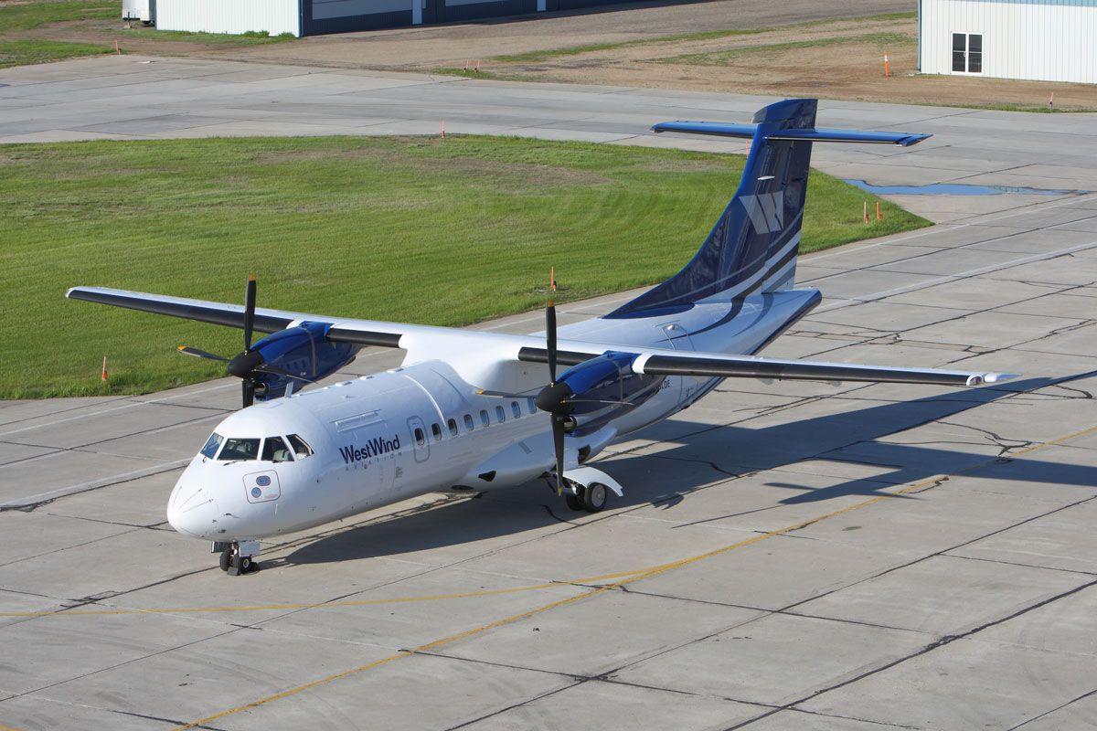 Літак ATR-42 впав в кілометрі від ЗПС / фото westwindaviation.ca
