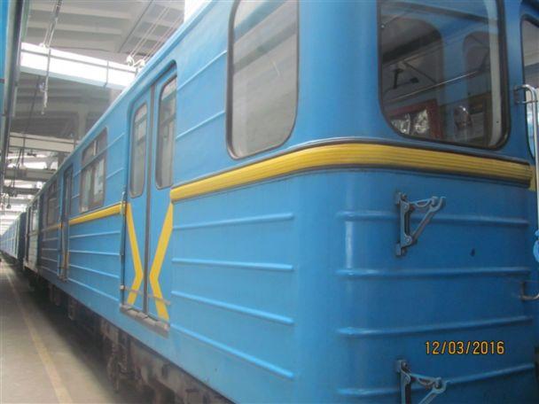 ВКиеве частному бизнесмену продали вагоны метро