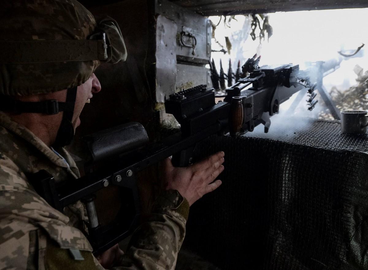 Ситуація на Сході України залишається складною / REUTERS