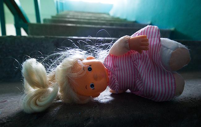 ВРовно ищут педофила, растлившего 2-х девушек