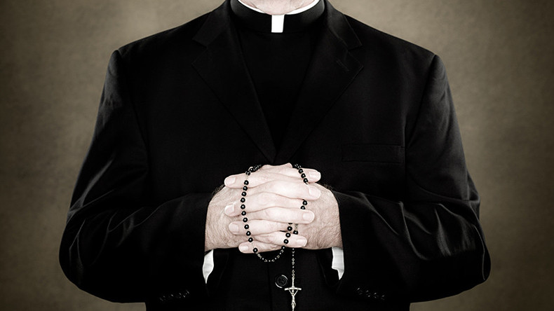 В Австралии потребовали отменить целибат священства РКЦ / rt.com