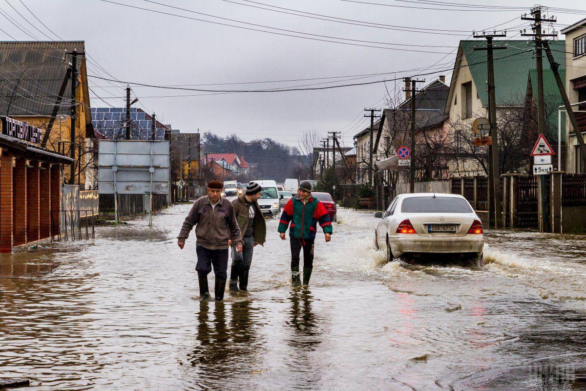 Украина продолжает страдать от непогоды / УНИАН