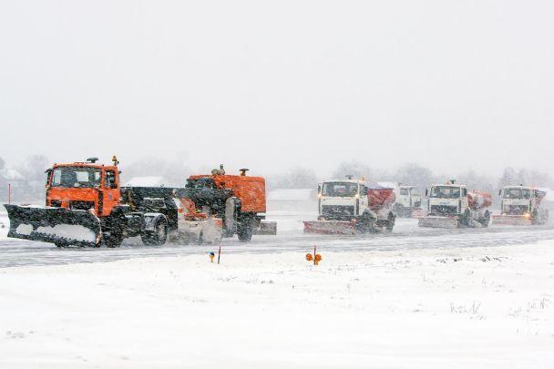 Аеропорт Жуляни через снігопад переніс частину рейсів доБорисполя