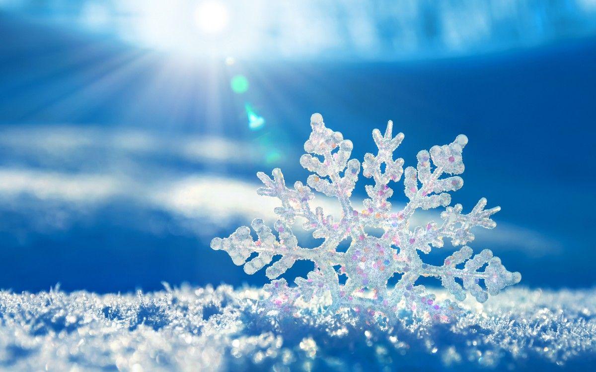 Ученые впервые визуализировали процесс таяния снежинки / фото tapeciarnia.pl