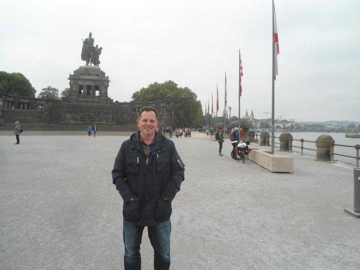 Я буваю за кордоном і в жодній країні не чув, щоб на вулиці якась матуся диким голосом верещала на свою дитину / фото facebook.com/hromovyy.viktor