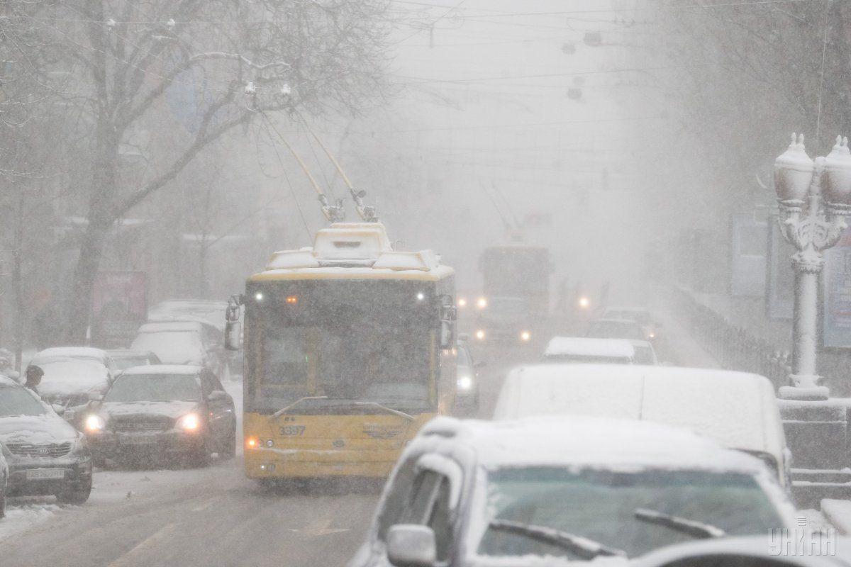 Работа столичного метрополитена и наземного пассажирского транспорта в новогоднюю ночь будет продлена на 3 часа / УНИАН