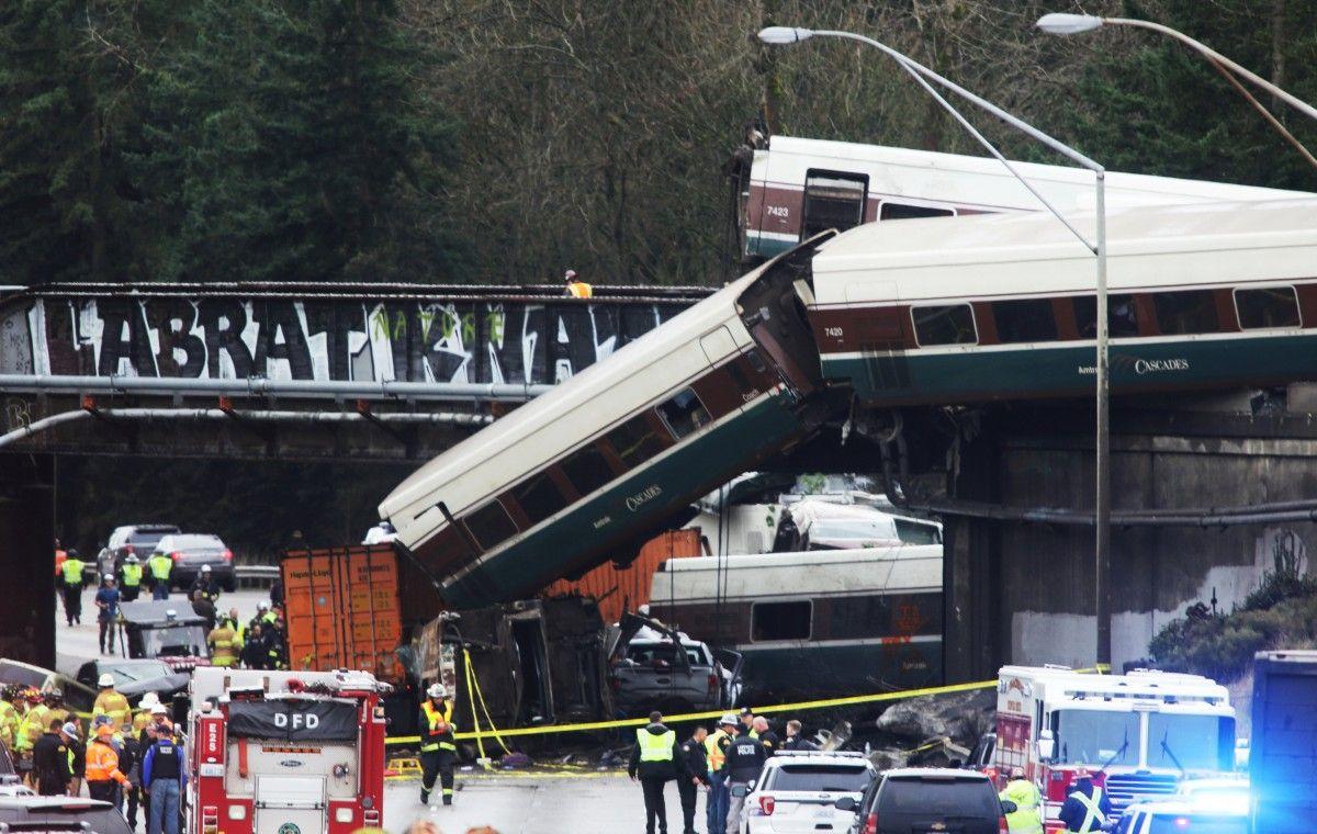 Аварія в штаті Вашингтон 18 грудня / REUTERS