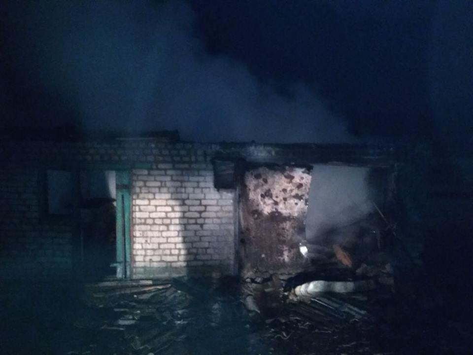 Чудовищные последствия обстрела наДонбассе: повреждены большое количество домов, ранен ребенок