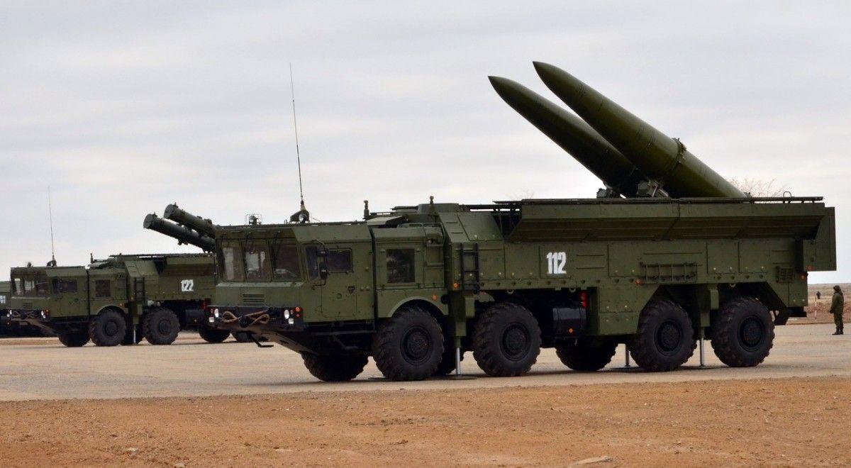 """В частности, оккупанты провели масштабные боевые пуски и стрельбы из ракетных комплексов """"Искандер""""/ Фото defence.ru"""