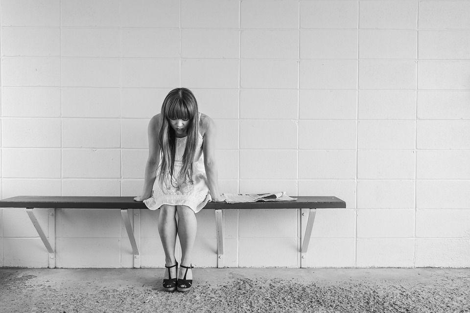 Назван период обострения чувства одиночества у людей / фото pixabay.com