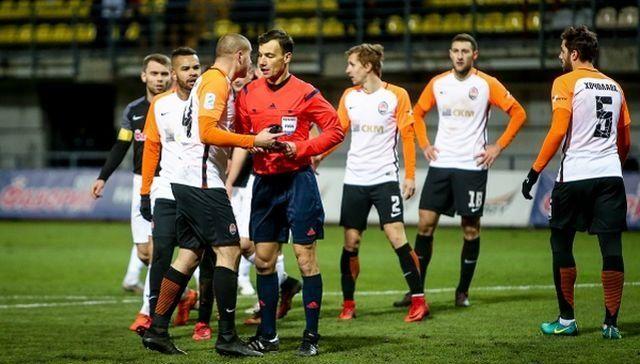 Ракицкий понесет наказание за преркания с арбитром во время игры УПЛ