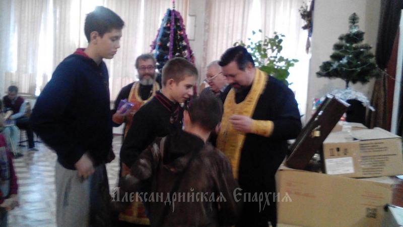 Священики УПЦ охрестили 13 вихованців інтернату / Олександрійська єпархія
