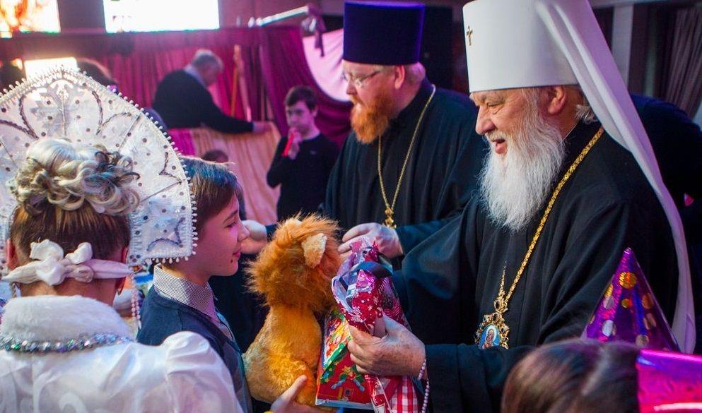 Діти отримали дарунки від митрополита Агафангела / eparhiya.od.ua