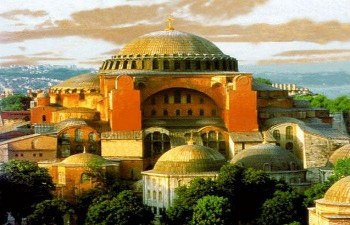 Изначально легендарный собор не имел минаретов / historic.ru