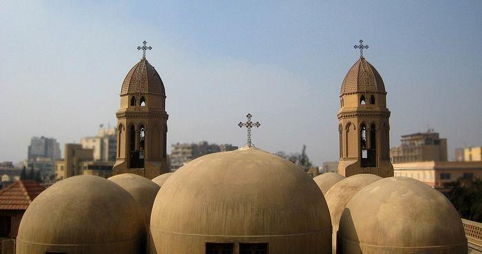 В Египте толпа мусульманских радикалов набросилась на молящихся в храме коптских христиан / pravoslavie.ru