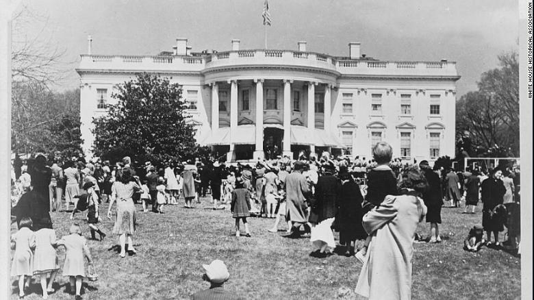 Возле Белого дома спилят самую старую на территории резиденции магнолию / фото White House Historical Association